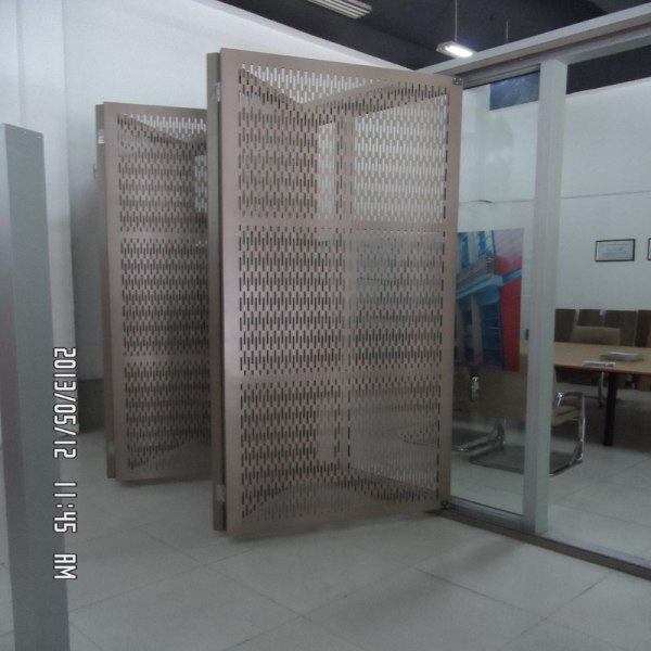 folding ventilation louvers