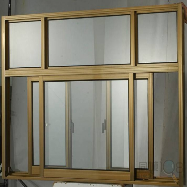 2 sliding aluminum windows